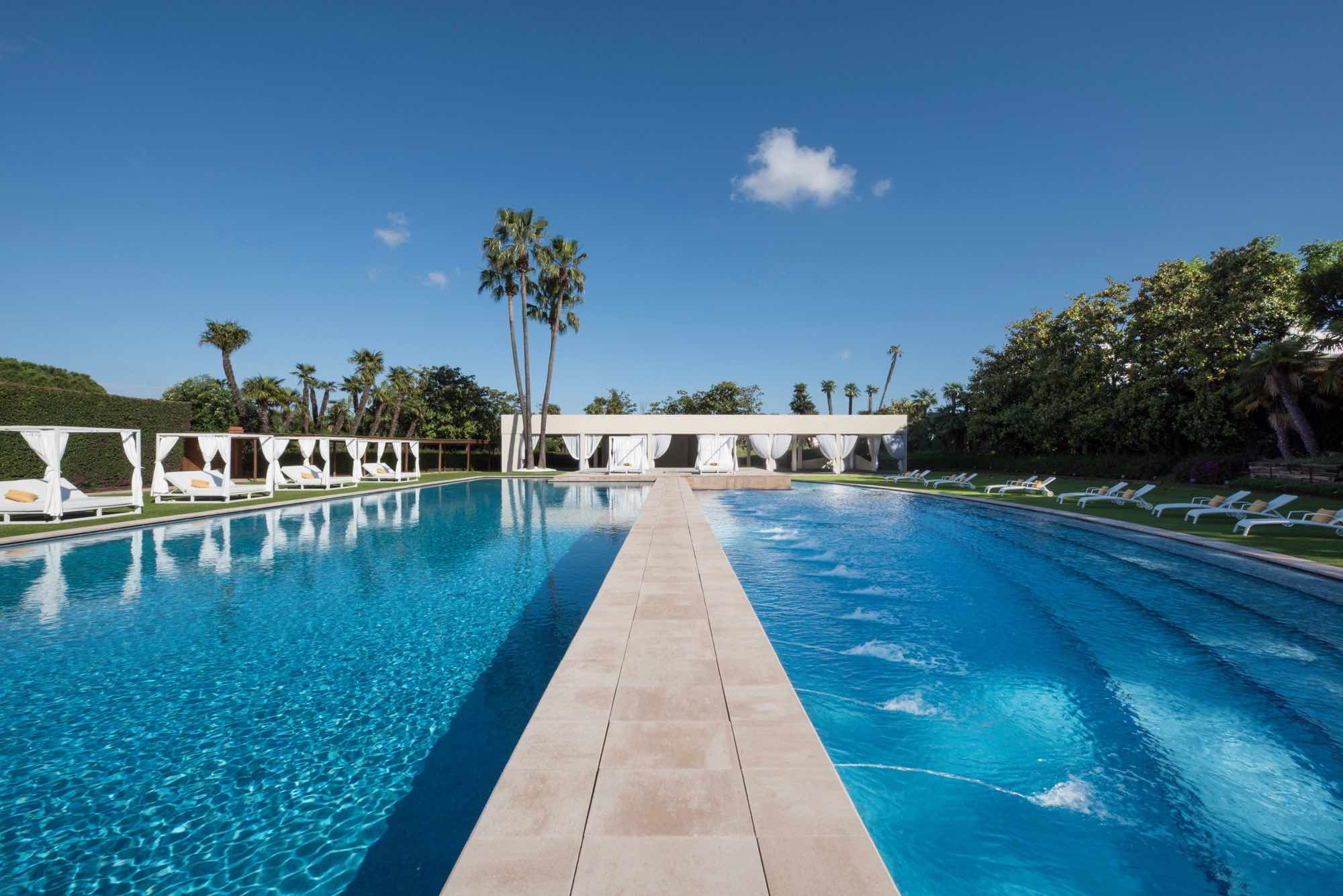 Fairmont Barcelona Rey Juan Carlos I outdoor swimming pool