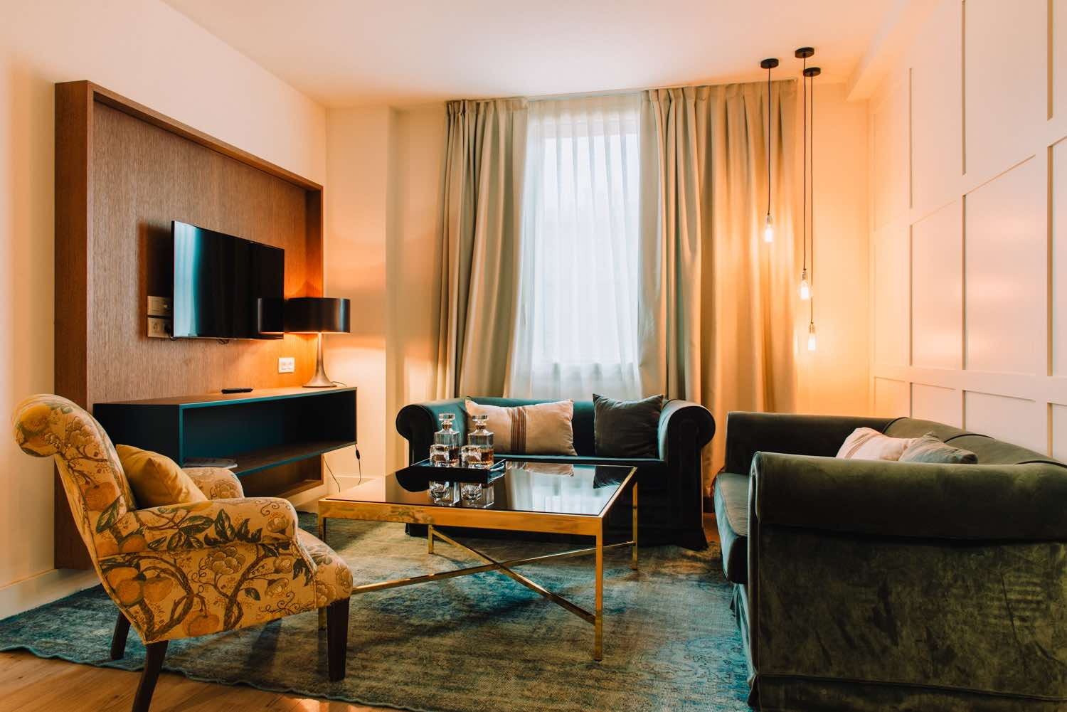 Gallery Hotel Barcelona suite with living area of luxury boutique hotels in Barcelona