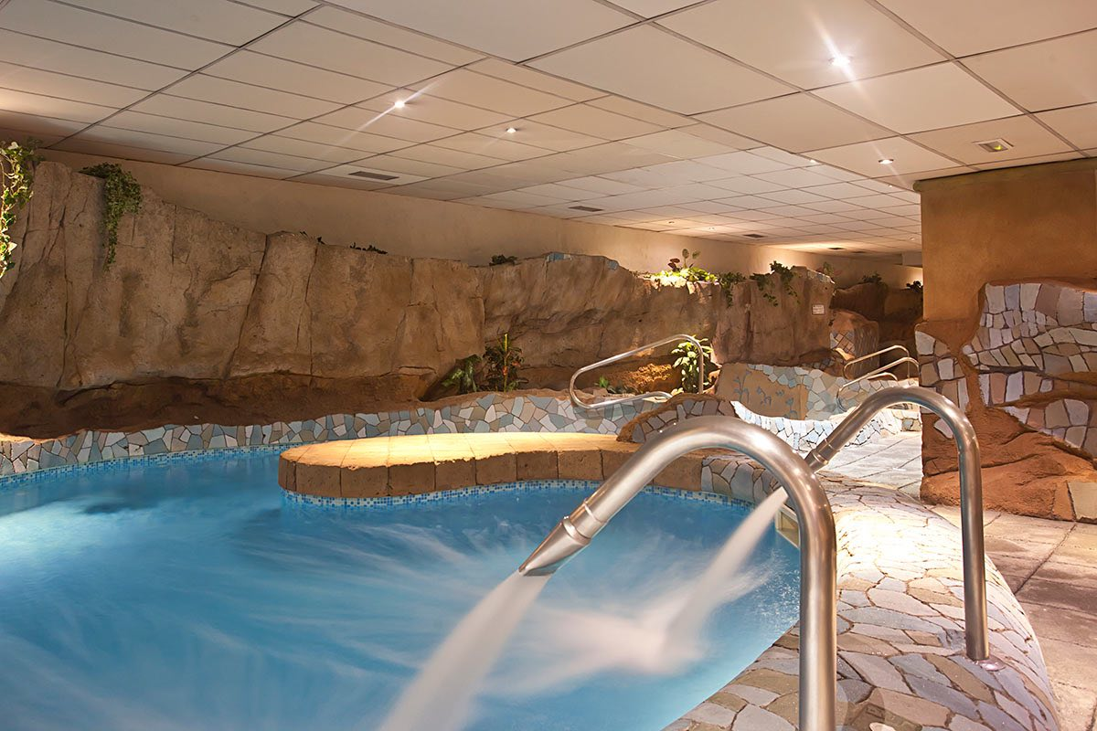 Senator Barcelona-Spa-Senzia-luxury spa hotels in Barcelona Spain hot tub