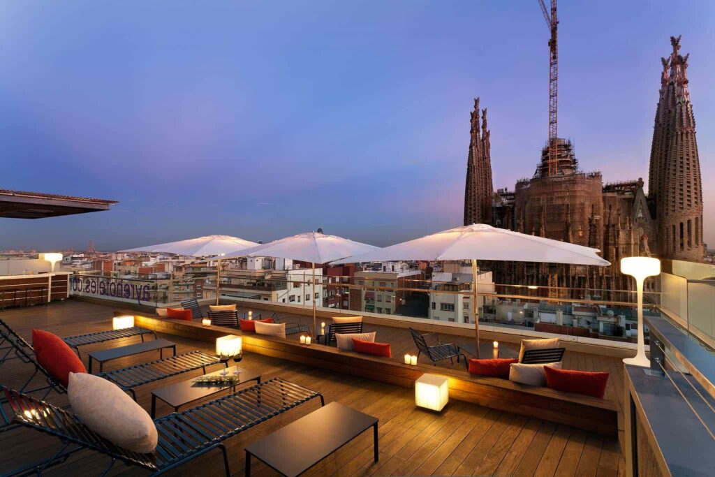 ayre-hotel-rosellon-terraza-barcelona hotels with rooftop bars